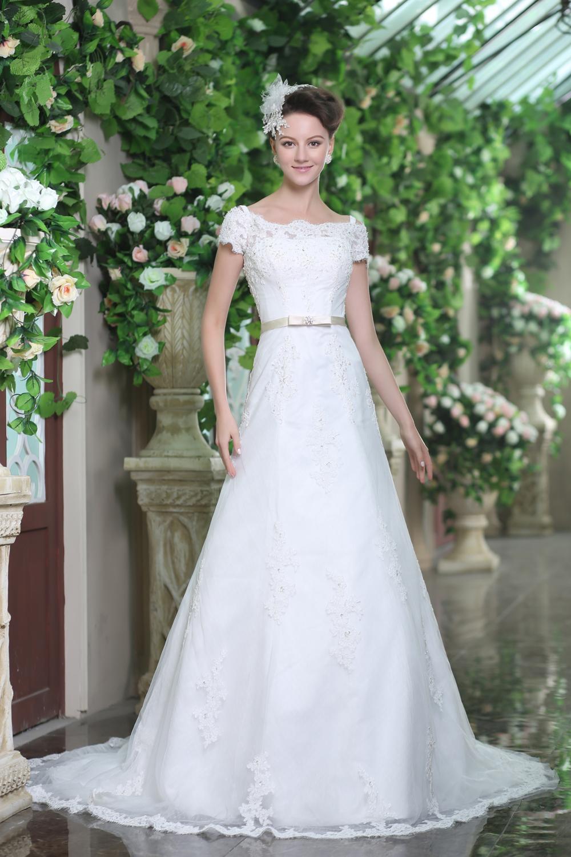 Brautkleid Cora- wunderschön bestickt | Schmetterling ...