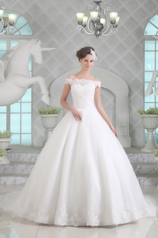 Brautkleid Heidi- wunderschön bestickt | Schmetterling ...